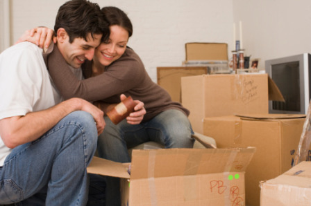 Does_it_make_financial_sense_move_in_with_boyfriend_girlfriend